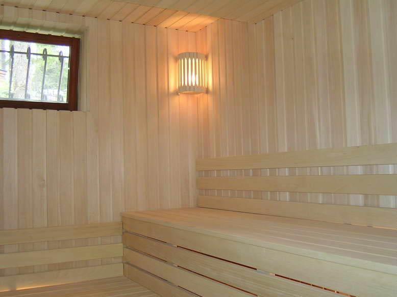 Sous couche bois vernis for Peindre sur du bois vernis sans poncer
